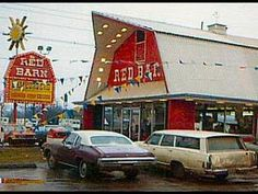 This is The Red Barn Restaurant on Woodward Ave at the Davidson underpass in Highland Park in Youngstown Ohio, Sandusky Ohio, Rochester New York, Vintage Restaurant, Red Barns, My Childhood Memories, The Good Old Days, Retro, The Past