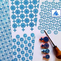 More patterns with circles. And in blue. #regnitzflimmern #allstampshandcarved