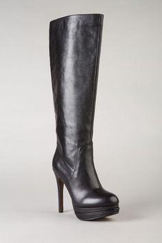 Basic but classic black boots