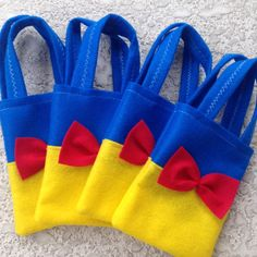 Snow white and dwarfs /Felt Party bags/ prince and evil queen/ Princess Birthday, Baby Birthday, Birthday Parties, Princess Sofia, Party Bags, Party Favors, Baby Snow White, Snow White Birthday, 7 Dwarfs