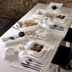Exquisitely crafted, this 16 piece dinner set features an innovative twisted square design for a fabulously on-trend touch. Made from chic white porcelain, this crockery collection, with 4 mugs, side plates, dinner plates and bowls, is also suitable for the dishwasher for added convenience.
