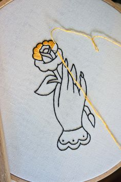 Hand Embroidery Videos, Embroidery Stitches Tutorial, Embroidery Works, Flower Embroidery Designs, Creative Embroidery, Hand Embroidery Stitches, Embroidery Patterns, Embroidery Kits, Embroidery For Beginners