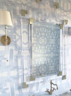 Lindsay Cowles paper in a bathroom by Jill White Powder Room Decor, Powder Room Design, Powder Rooms, Cabana, Powder Room Wallpaper, Wallpaper For Home, Wallpaper In Kitchen, Large Print Wallpaper, Half Bathroom Wallpaper