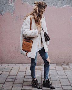 Cold weather perfection via @mvb412. #modelcitizen #linkinbio