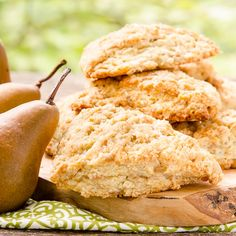 Ginger Pear Scones are a wonderful breakfast or afternoon treat. They are full of flavor with caramelized pear and candied ginger pieces throughout. Pear Recipes, Jelly Recipes, Fruit Recipes, Gourmet Recipes, Sweet Recipes, Dessert Recipes, Pear Dessert, Scone Recipes, Gourmet Foods