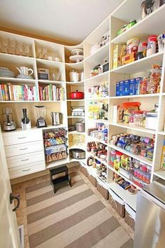 { New House Tour } Pantry Makeover Before AND After Photos My dream pantry! { New House Tour } Pantry Makeover Before AND After Photos! Pantry Room, Pantry Storage, Walk In Pantry, Corner Storage, Corner Shelves, Food Storage, Small Pantry, Kitchen Storage, Plastic Storage