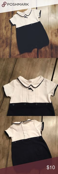 🐬 Janie and Jack Dolphin Bubble 🐬 Gently used Janie and Jack dolphin one-piece-- size 3-6M-- navy blue and white-- small pocket on the back-- snap closure-- button detail-- 100% cotton Janie and Jack One Pieces