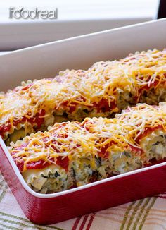 """Clean Chicken Artichoke Lasagna Roll Ups - soft """"pillows"""" made with brown rice or whole wheat pasta & stuffed with creamy healthy mixture of chicken breast, canned artichokes & spinach."""