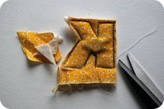 How to Make a Plush Alphabet, trace, sew, cut out. Put a magnet and batting in before sewing. Could use ellyson letters. Sewing Toys, Baby Sewing, Sewing Crafts, Sewing Projects, Sewing Hacks, Sewing Tutorials, Sewing Patterns, Sewing For Kids, Diy For Kids