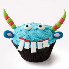 Blue Monster Cupcakes How-To