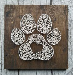40 Easy String Art Patterns and Ideas for Beginners - Best Art Projects 🎨 Nail String Art, String Crafts, String Art Heart, Pin Art String, Crafts To Make, Fun Crafts, Arts And Crafts, Arte Linear, Diy Accessoires