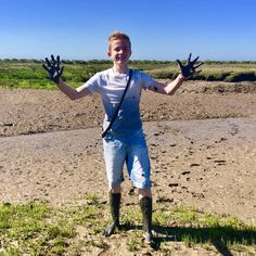Great fun playing with the kids in the marsh, nothing like getting really muddy!!! Love it! Book your dog and child friendly holiday in North Norfolk now - link in bio
