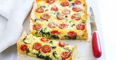 Spinach, feta & tomato slice Served hot from the oven for dinner, or cold for lunch, this creamy slice is a winner at any time of day. Vegetable Dishes, Vegetable Recipes, Vegetarian Recipes, Healthy Recipes, Healthy Mummy, Quiche Recipes, Egg Recipes, Cooking Recipes, Recipies