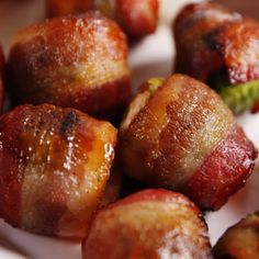 Candied Bacon Brussels Sprouts - The most healthy and beautiful recipes Bacon Recipes, Appetizer Recipes, Cooking Recipes, Meat Appetizers, Bacon Wrapped Appetizers, Bacon Food, Vegetable Dishes, Vegetable Recipes, Candied Bacon