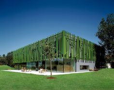 Modern Green Architecture   and Green Modern House Architecture Idea with Gray Wall with Green ...