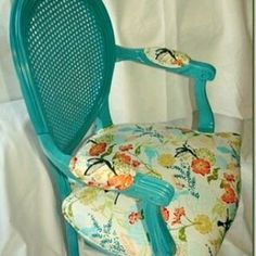Arte em Palha (Empalhamentos, Itu/SP) 11 97040-6441 / 11 4025-2175 www.facebook.com/empalhadordecadeirasitu #cadeira #palhinha #azul #rejilla #silla #chaircaning #blue #armchair #painted #deco #decor #decoration #decorating #decorations #interiors #vintage #antyk #chair #dia #lindo #bomdia #bomdiaa #bomdiaaa #bonjour #buendia #buongiorno #goodmorning #follow4follow