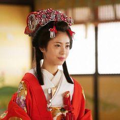 Japanese Princess, Japanese Girl, Kabuki Costume, Traditional Japanese Kimono, Japan Woman, Japanese Landscape, Kimono Pattern, Japanese Characters, Japanese Beauty