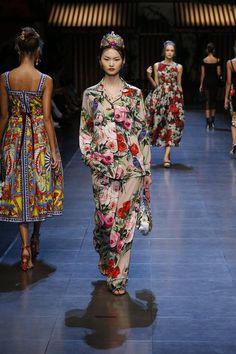#ItaliaIsLove Dolce&Gabbana Spring Summer 2016 Women's Fashion Show #ss16 http://www.closetonthego.com/eshop-brands/2580/dolce-gabbana/