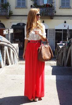 Bright Orange Red Skirt |  http://www.fashiondivadesign.com/27-trendy-maxi-skirts-for-this-fall/ | tags: hijab, hijab fashion, hijab style, hijab inspiration