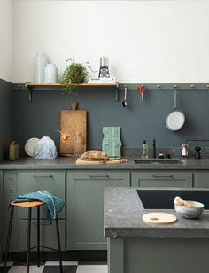 〚 It's all about the details: interior stylist Annika Kampmann 〛 ◾ Photos ◾Ideas◾ Design Green Kitchen, Kitchen Dining, Kitchen Cabinets, Layout Design, Victoria House, Sweet Home, Cocinas Kitchen, Commercial Kitchen, Kitchen Styling