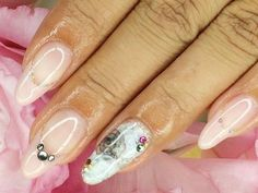 大理石ネイル 【ネイル ジョルナーレ 水道橋店】 http://nail-beautynavi.woman.excite.co.jp/design/detail/6404?pint ≪ #nail #nails #nailart #softgel #white #秋ネイル #ネイル≫