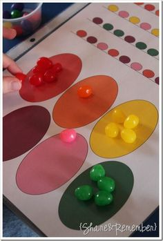 Jelly Bean Preschool Activities i'm in love with everything i see here! love the tray idea and having the girls work independently! Easter Activities For Preschool, April Preschool, Preschool Projects, Easter Projects, Spring Activities, Easter Crafts, Preschool Centers, Easter Art, Children Activities