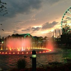 Do you love the Island in Pigeon Forge? (( I can't wait to go here... Broadway at the Beach in Myrtle Beach is one of my FAVORITE places to go and it looks like this is a lot like that!!))
