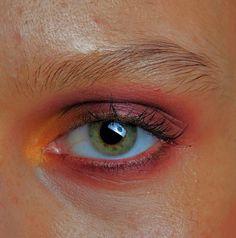 • Sunset • Red, pink, orange, green • Natural • Lines • Blended