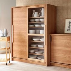 Kitchen Organization Pantry, Kitchen Storage, Tall Cabinet Storage, Cabinet Furniture, Dining Furniture, Furniture Design, Wall Cupboards, Bedroom Cupboards, Crockery Cabinet