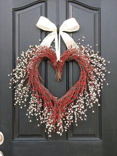 Christmas and Valentine wreath, Heart wreath, Winter wreath Valentine Day Wreaths, Valentine Day Crafts, Valentine Decorations, Holiday Wreaths, Christmas Decorations, Spring Wreaths, Printable Valentine, Homemade Valentines, Valentine Box