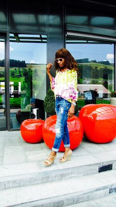 Relaxed look in Milly top, Zara jeans, Ferragamo sandals, Chanel bag