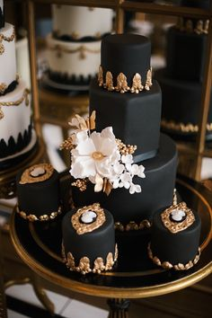 Today I bring you some fabulous wedding cakes inspired by wedding dresses. Bridal fashion inspired wedding cake designs can be mind-blowing. Basing your wedding cake and color palette on your favorite piece of clothin. Black And White Wedding Cake, Black Wedding Cakes, Beautiful Wedding Cakes, Gorgeous Cakes, Pretty Cakes, Amazing Cakes, Whimsical Wedding, Black Weddings, Wedding Unique