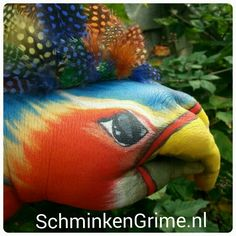 Hand painting bird with feathers Parrot, Hand Painted, Fish, Pets, Feathers, Tutorials, Animals, Paintings, Projects