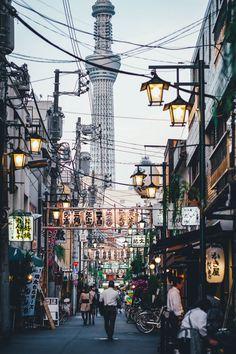 Everyday life in Tokyo by Takashi Yasui - Photo 214544835 / 500px
