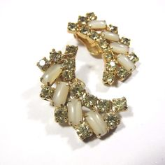 Vintage #Rhinestone #Earrings Clip on Cabochon Green Off White Long Cluster Retro #Unbranded #Cluster