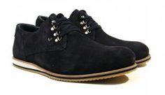Zapatos casual de cordones Martinelli  Zapatos casual de cordones para hombre de la marca Martinelli modelo RONY 1151-2446X. Zapatos en piel serraje en color burdeos o azul marino con suela de goma ligera. Ojeteras metálicas. Plantillas de piel extraíbles para mayor comodidad. Forros combinados. Martinelli zapatos para hombres urbanos. http://ift.tt/2cVJPT7