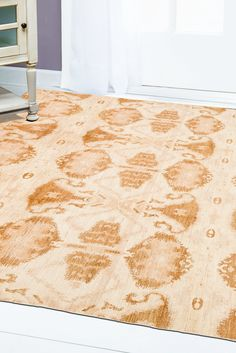 With golden designs laid beautifully atop a soft ivory background, an Ikat rug like this is a brilliant piece of floor art. Holding true to the alternating rows of designs, the pattern of this rug displays multiple objects with a faded design between all of them. #goldrugs #buygoldrugs #buygoldrugsonline #rugknots Floor Art, Floor Decor, Golden Design, Gold Rug, Oriental Design, Gold Accessories, Cool Rugs, Rugs Online, Ikat