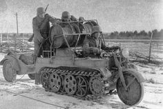 The special design of the chains quad to the set of field cables Sd.Kfz. 21: Small chains motorcycle for field remote cable