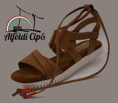 Alföldi Cipőbolt - alföldi cipők - alföldi papucsok - csizmák - saruk - bakancsok - néptánc cipők Sandals, Shoes, Fashion, Moda, Shoes Sandals, Zapatos, Shoes Outlet, Fashion Styles, Shoe