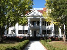 The Twelve Oaks Bed  Breakfast is inspired by the movie Gone with Wind...This beautifully renovated facility is great for #weddings!