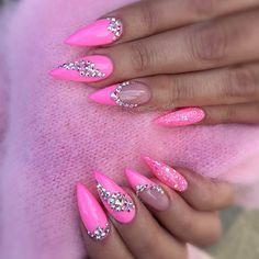 #pink #pinknails #nail #nails #swarovski