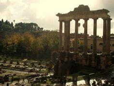 Vue du forum Voyage Rome, Old Churches, Vatican City, Travelling Tips, Honeymoon Destinations, Capital City, Roman Empire, Naples, Europe