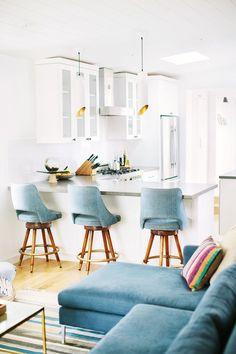 84 White Kitchen Interior Designs with Modern Style https://www.futuristarchitecture.com/2714-white-kitchen-interior-design.html #kitchen