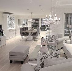 Home decoration allows you to create luxury yet modern interior design projects. Glam Living Room, Interior Design Living Room, Home And Living, Living Room Designs, Living Room Decor, Modern Interior, Condo Interior, Interior Livingroom, Decor Room