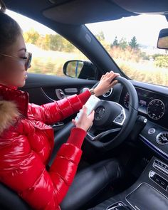 Cute Casual Outfits, Fall Outfits, Nylons, Moncler Jacket Women, Woman In Car, Women's Puffer Coats, Leder Outfits, Lingerie Outfits, Puffy Jacket