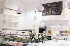 A peek inside this amazing bakery and cake boutique | Bakery Tour of Jenna Rae Cakes | on TheCakeBlog.com