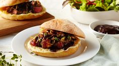 STEAK SANDWICH - This steak sandwich recipe is really easy to prepare and an eternal crowd-pleaser; ideal for an afternoon picnic with the family or to enjoy as the ultimate indulgent snack. No table needed.