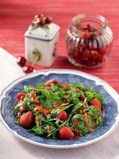 Αρωματική σαλάτα με σπανάκι και dressing φράουλας #φράουλα #σαλάτα #σπανάκι Green Beans, Food Porn, Strawberry, Salad, Fruit, Vegetables, Yoga Pants, Author, Vegetable Recipes