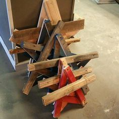Reclaimed pallet wood stars! Just in time for the holidays. https://www.instagram.com/p/-wj0a3rG-L/
