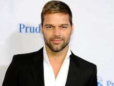 I had to really work on my self esteem to confess about homosexuality, says Ricky Martin! - http://www.bolegaindia.com/gossips/I_had_to_really_work_on_my_self_esteem_to_confess_about_homosexuality_says_Ricky_Martin-gid-36695-gc-15.html